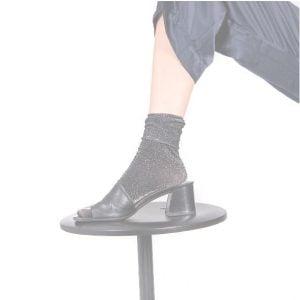 SWEDISH STOCKINGS ~ pančusky a ponožky z recyklovaných materiálov